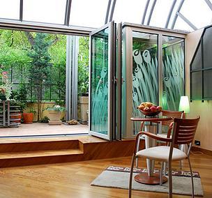 Bi-Folding Doors | Aluminium Bi-folding Exterior Doors - iGlaze